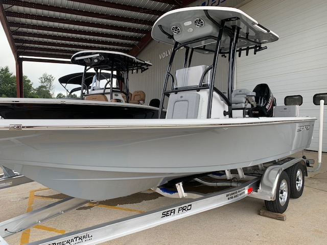 2021 Sea Pro 208 DLX Bay Series0