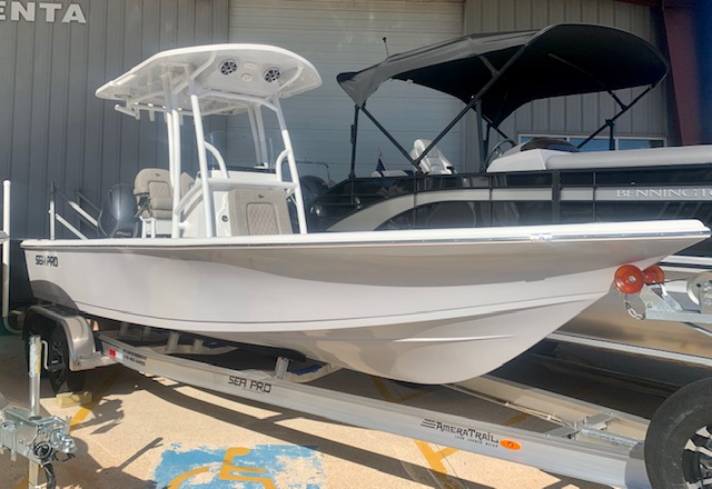 2021 Sea Pro 228 DLX Bay Series0
