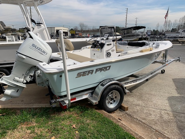 2021 Sea Pro 172 Bay Series0