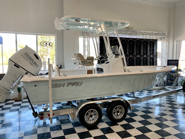 2021 Sea Pro 208 DLX Bay Series